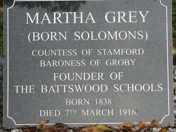 Gravestone-of-Martha-Grey,-Countess-of-Stamford-web-lesson